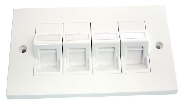 CAT5e Quad angled shuttered faceplate kit